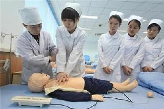初中毕业读护理专业到成都卫生学校【包就业】