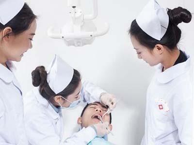 卫校是属于什么学校-美女牙医