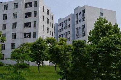 四川红十字卫生学校宿舍楼