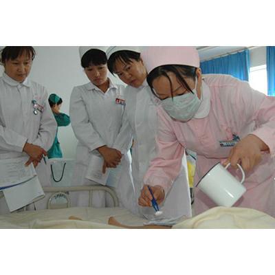 成都医学院附属卫生学校(护理专业)招生要求