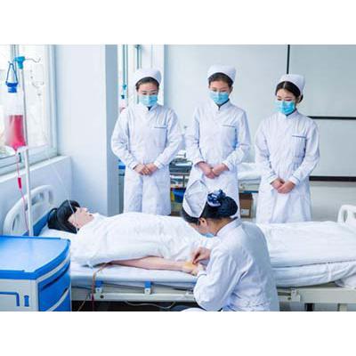成都医学院附院护士学校(护理专业)招生分数线