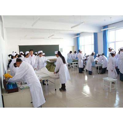 成都中医药大学附属医院针灸学校(康复治疗技术专业)招生分数线